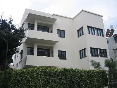 800px-Bauhaus_Tel-Aviv_museum